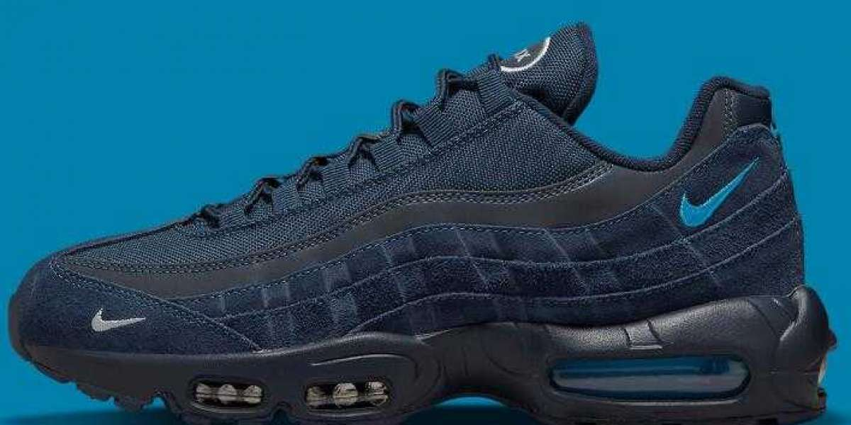 Latest Mini-Swooshed NIke Air Max 95 Releasing the Navy Blues colorways